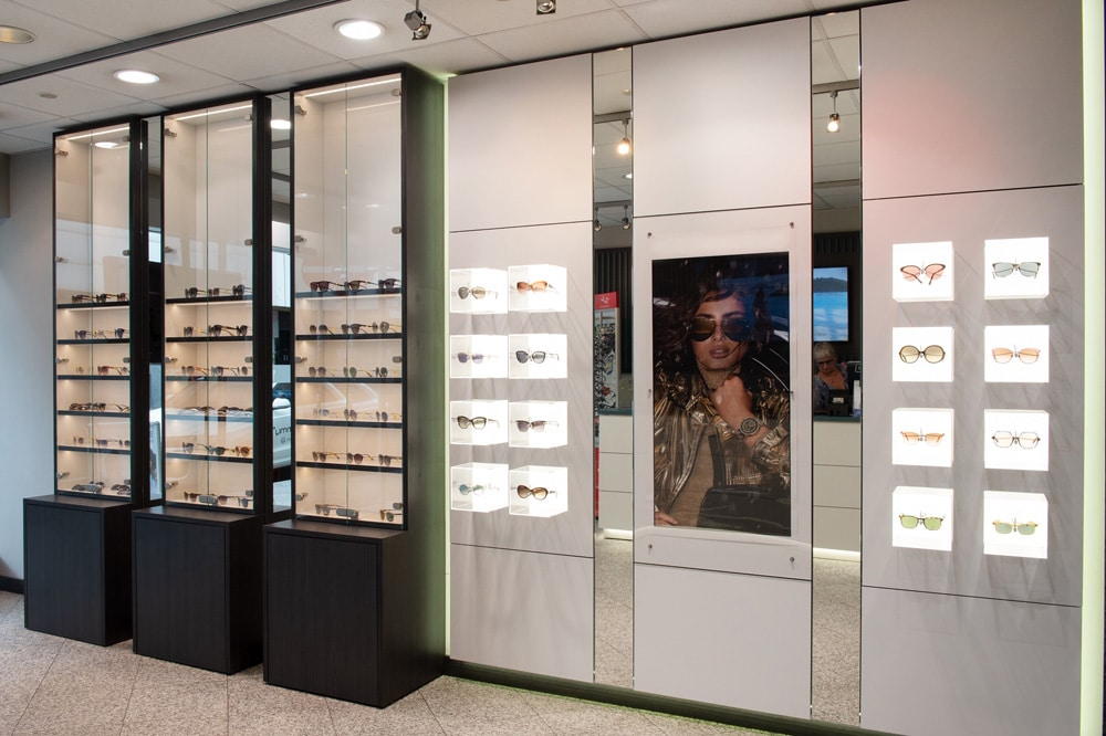 Große Auswahl an Sonnenbrillen im Optikhaus Krefeld